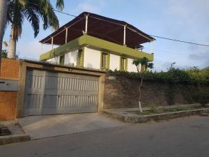 Casa En Ventaen Parroquia Caraballeda, Caribe, Venezuela, VE RAH: 18-5237