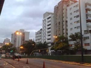 Apartamento En Ventaen Caracas, Parroquia Santa Rosalia, Venezuela, VE RAH: 18-6240