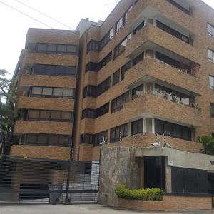Apartamento En Alquileren Caracas, Los Palos Grandes, Venezuela, VE RAH: 18-5312