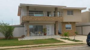 Casa En Ventaen Punto Fijo, Terrazas Club De Golf, Venezuela, VE RAH: 18-5315