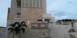 Apartamento En Ventaen Maracaibo, Avenida El Milagro, Venezuela, VE RAH: 18-5405