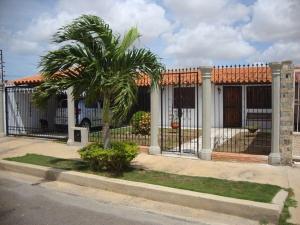 Casa En Ventaen Punto Fijo, Puerta Maraven, Venezuela, VE RAH: 18-5322