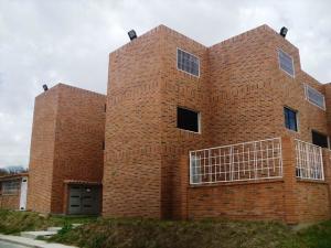 Apartamento En Ventaen Guatire, Canaima Iv, Venezuela, VE RAH: 18-5425