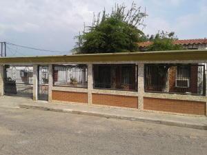 Casa En Ventaen Cabimas, Zulia, Venezuela, VE RAH: 18-5446