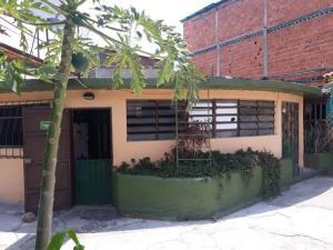 Casa En Ventaen Municipio Naguanagua, Casco Central, Venezuela, VE RAH: 18-5695