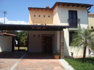 Casa En Ventaen Araure, Casa De Campo, Venezuela, VE RAH: 18-5466