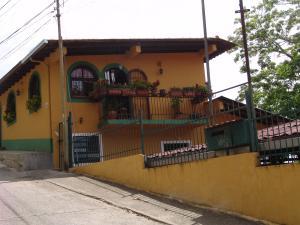 Casa En Ventaen Caracas, Hoyo De La Puerta, Venezuela, VE RAH: 18-5470