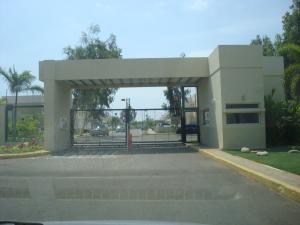 Townhouse En Ventaen Maracaibo, Avenida Milagro Norte, Venezuela, VE RAH: 18-5479