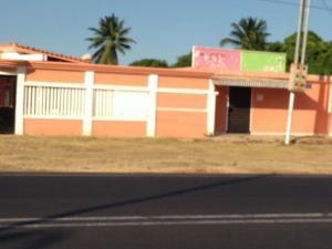Casa En Ventaen Santa Cruz De Mara, Via Santa Rita, Venezuela, VE RAH: 18-5486