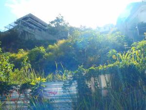 Terreno En Ventaen Caracas, Alto Hatillo, Venezuela, VE RAH: 18-16053