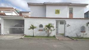Casa En Ventaen San Antonio De Los Altos, Club De Campo, Venezuela, VE RAH: 18-5521