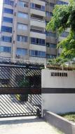 Apartamento En Ventaen Puerto La Cruz, La Tinia, Venezuela, VE RAH: 18-5522