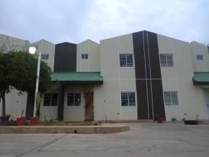 Townhouse En Ventaen Maracaibo, Sierra Maestra, Venezuela, VE RAH: 18-6002