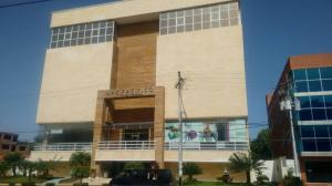 Local Comercial En Ventaen Lecheria, Av Diego Bautista Urbaneja, Venezuela, VE RAH: 18-5652