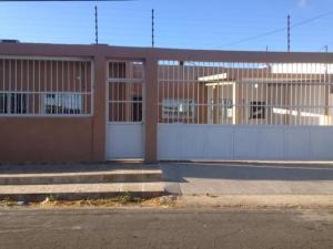 Casa En Ventaen Punto Fijo, Judibana, Venezuela, VE RAH: 18-5657