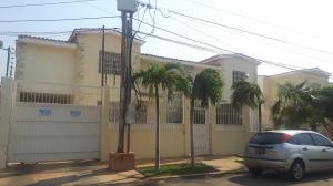 Townhouse En Ventaen Maracaibo, Lago Mar Beach, Venezuela, VE RAH: 18-5682