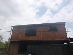 Casa En Ventaen Municipio Guaicaipuro, La Colmena, Venezuela, VE RAH: 18-5697