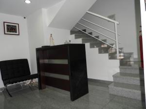 Oficina En Alquileren Caracas, Lomas Del Sol, Venezuela, VE RAH: 18-5841