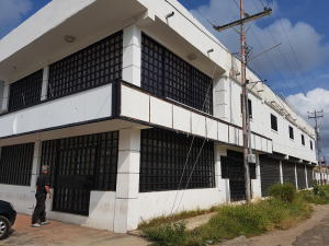 Local Comercial En Alquileren Cabimas, Churuguara, Venezuela, VE RAH: 18-5845