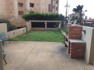 Apartamento En Ventaen Maracaibo, Avenida El Milagro, Venezuela, VE RAH: 18-6189