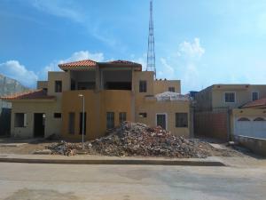 Townhouse En Ventaen Maracaibo, Circunvalacion Uno, Venezuela, VE RAH: 18-5926