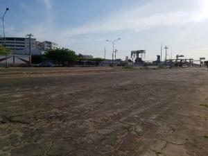Terreno En Ventaen Maracaibo, Sierra Maestra, Venezuela, VE RAH: 18-5981