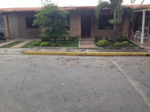 Casa En Alquileren Cabudare, Tierra Del Sol, Venezuela, VE RAH: 18-5971