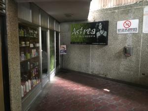 Local Comercial En Ventaen Caracas, Santa Marta, Venezuela, VE RAH: 18-6009