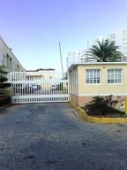 Apartamento En Ventaen Margarita, Costa Azul, Venezuela, VE RAH: 18-6054