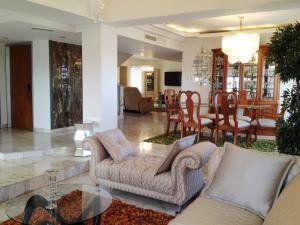 Apartamento En Alquileren Maracaibo, Tierra Negra, Venezuela, VE RAH: 18-6044
