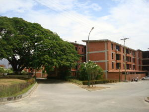 Apartamento En Ventaen Guatire, Valle Arriba, Venezuela, VE RAH: 18-6069