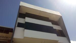 Edificio En Ventaen Barquisimeto, Avenida Libertador, Venezuela, VE RAH: 18-6073
