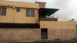 Apartamento En Ventaen Barquisimeto, Avenida Libertador, Venezuela, VE RAH: 18-6077