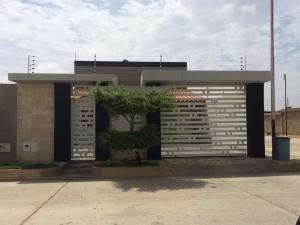 Casa En Ventaen Punto Fijo, Puerta Maraven, Venezuela, VE RAH: 18-6100