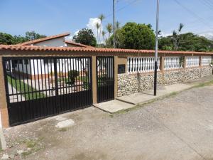 Casa En Ventaen Rio Chico, Los Canales De Rio Chico, Venezuela, VE RAH: 18-6106