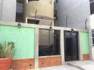 Apartamento En Ventaen Punto Fijo, Las Virtudes, Venezuela, VE RAH: 18-6125
