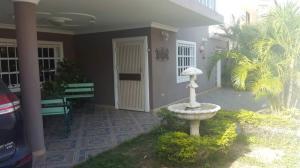 Casa En Ventaen Coro, Parcelamiento Santa Ana, Venezuela, VE RAH: 18-6148