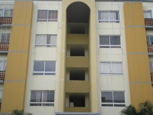 Apartamento En Ventaen Municipio San Diego, Valles Del Nogal, Venezuela, VE RAH: 18-6185