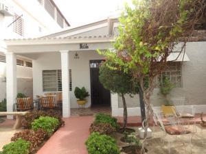 Casa En Ventaen Maracaibo, Valle Frio, Venezuela, VE RAH: 18-6195