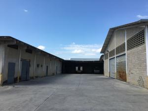 Galpon - Deposito En Ventaen Maracay, Santa Rita, Venezuela, VE RAH: 18-6217