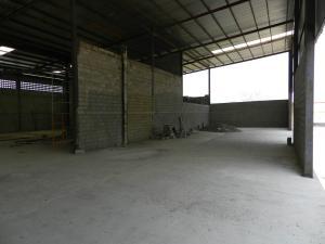 Galpon - Deposito En Ventaen Guatire, Vega Arriba, Venezuela, VE RAH: 18-6338