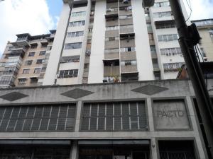 Apartamento En Ventaen Caracas, Parroquia La Candelaria, Venezuela, VE RAH: 18-6227