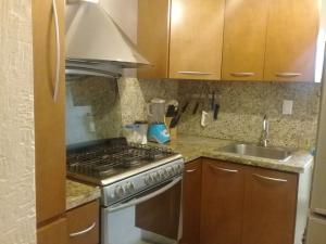 Apartamento En Ventaen Maracaibo, Avenida Delicias Norte, Venezuela, VE RAH: 18-6229