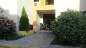 Apartamento En Ventaen Municipio Los Guayos, Paraparal, Venezuela, VE RAH: 18-6230
