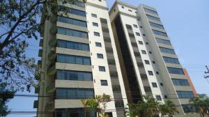 Apartamento En Alquileren Lecheria, Casco Central, Venezuela, VE RAH: 18-6232