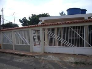 Casa En Ventaen Ciudad Ojeda, Barrio Libertad, Venezuela, VE RAH: 18-6243