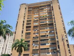 Apartamento En Ventaen Maracay, Urbanizacion El Centro, Venezuela, VE RAH: 18-6252