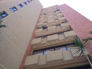 Apartamento En Ventaen Maracaibo, Zapara, Venezuela, VE RAH: 18-6293