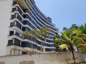 Apartamento En Ventaen Parroquia Caraballeda, Caribe, Venezuela, VE RAH: 18-6281