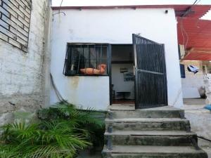 Casa En Ventaen Catia La Mar, Playa Verde, Venezuela, VE RAH: 18-6296